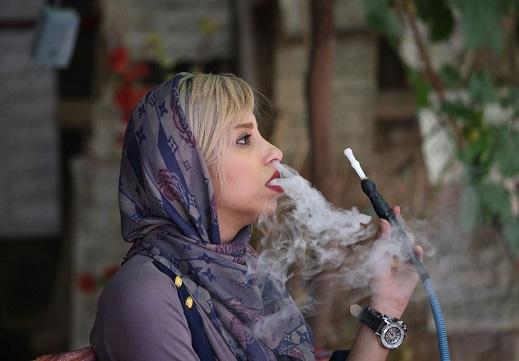 www.dustaan.com-قلیان-کشی-دختر-شیرازی-تیتر-یک-یاهو-شد