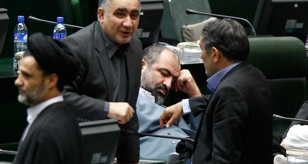 ادامه فعالیت پایداری در شیراز/ رسایی: دولت احمدینژاد بهترین دولت ایران بود/ مرا عربدهکش و نماینده خواب صدا میزنند