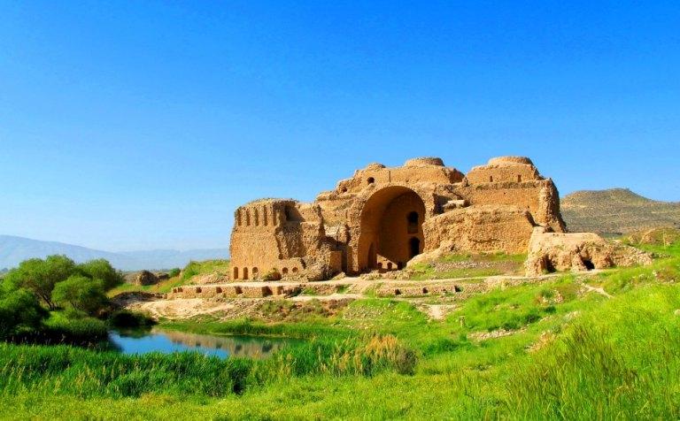 ardeshir-palace-firuzabad-1369742676