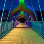 نکته نظرات جالب شهروندان شیرازی پیرامون پل های عابر پیاده/یک نوازنده گیتار: پل عابر پیاده بهترین فضا برای ترویج موسیقی خیابانی و افزایش سرانه گالری های هنری است