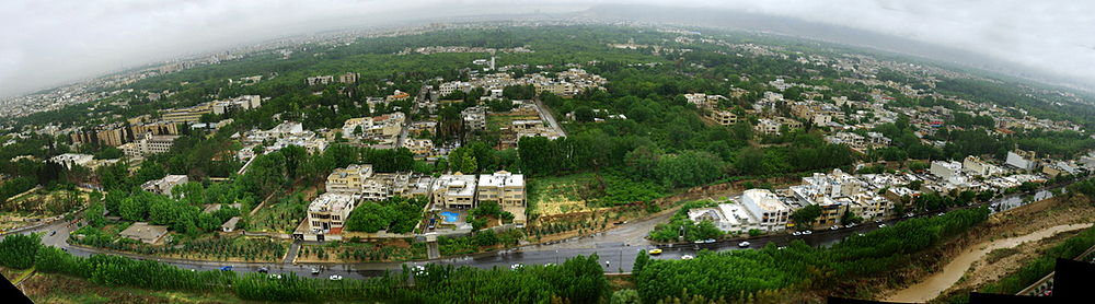 ۱۰۰۰px-Shiraz_Chamran_Pano